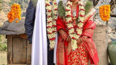 Photo of राष्ट्रिय महिला भलिबल टिमकी कमला पुन पति राम रोकाका साथमा ।