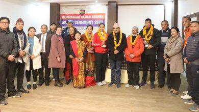 Photo of भलिवलका प्रतिभा र ईम मनोरञ्जन रमण शर्मा अवार्डबाट सम्मानित