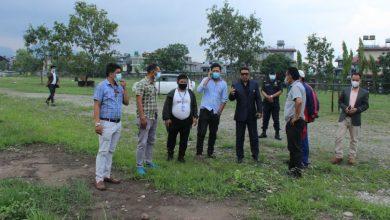 Photo of यूवा तथा खेलकुद मन्त्री गुरुङ पोखरा रंगशाला निरिक्षण गर्दै (तस्विर)